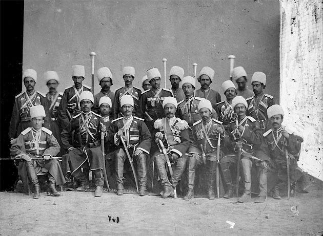 Офицеры Персидской казачьей бригады 1.jpg