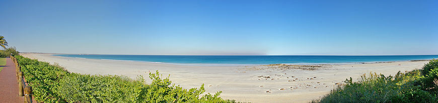 870px-Cable_Beach_Panorama.thumb.jpg.044