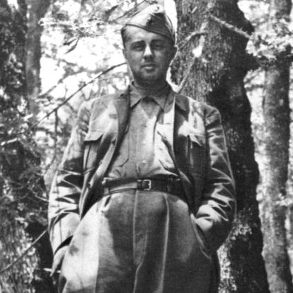 Hoxha_at_Odrican_1944.thumb.jpg.472a92fe