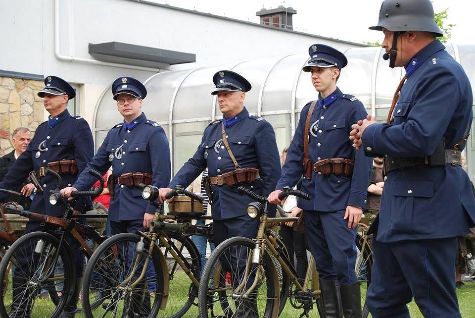 z18420166V,Przedwojenne-rowery-polskiej-policji--Grupa-rekons.jpg