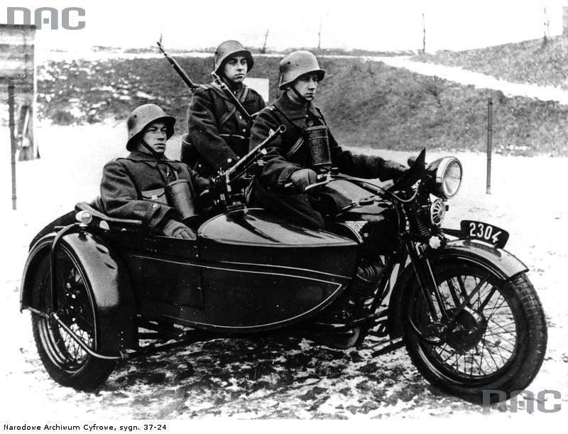 PIC_37-24_01938_10th_Motorized_Cavalry_Brigade_(Poland).jpg